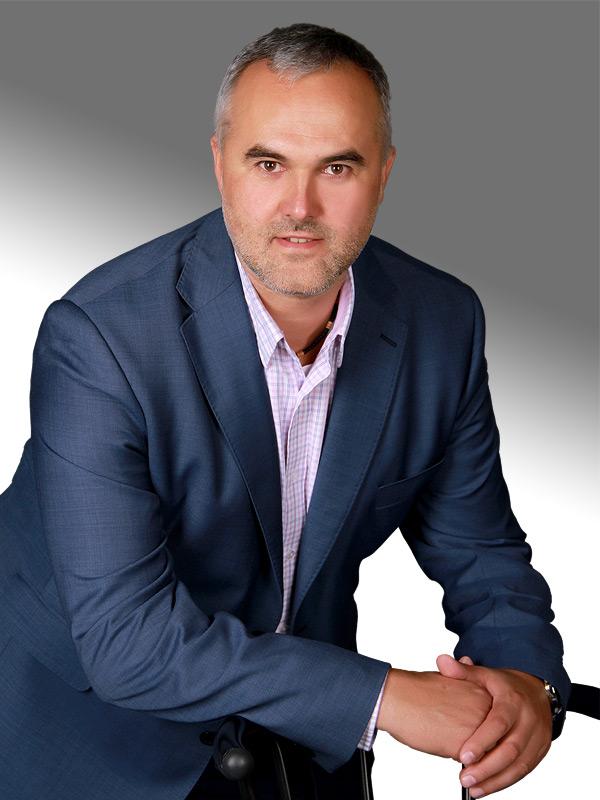 Realitní makléř kanceláře RE/MAX 4 you Petr Andrášek